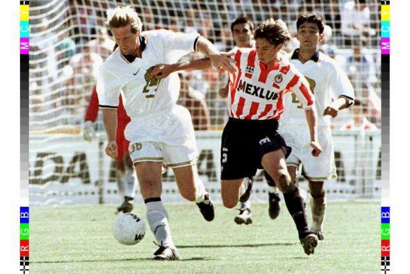 A pesar de todo lo sucedido, Schuster dejó el Barcelona hasta 1988, just...