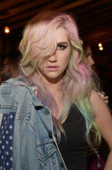 Kesha es un claro ejemplo de la variedad de colores que puedes llevar en...