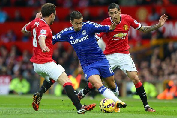 Eden Hazard, movedor de los hilos del Chelsea, dejó rivales en el camino...
