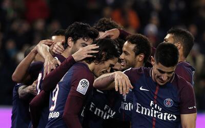 Lyon sorprendió al PSG y pone fin a su racha de 36 partidos de liga sin...