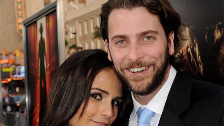 La actriz junto a su esposo, Andrew Form.
