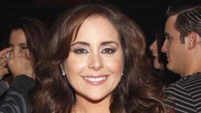 La guapa actriz está feliz con su participación en la telenovela junto a...