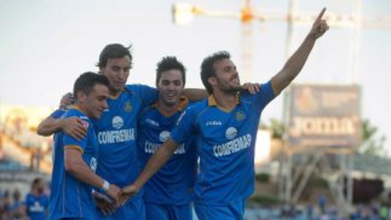 Pese a que se retiró del partido lesionado, Pedro León abrió el camino a...