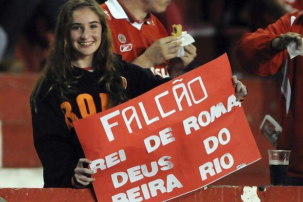 El partido fue jugado en el estadio Beira-Río de la ciudad de Porto Aleg...