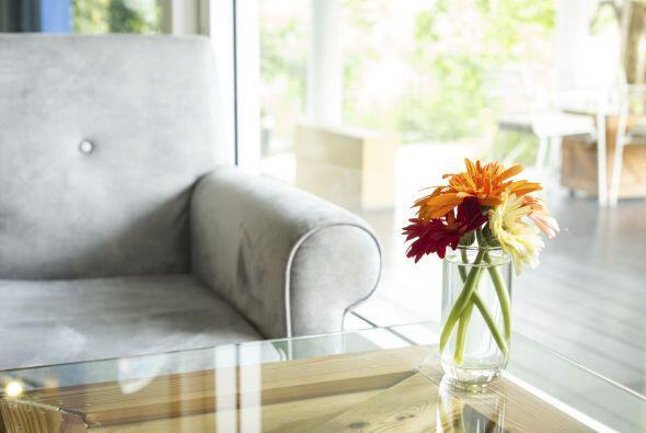 Un toque floral. Para sumar color a tus espacios, puedes colocar flores...