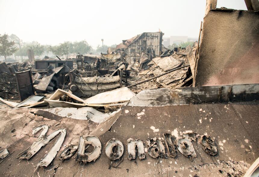 Un restaurante McDonald's quedó reducido a cenizas por el fuego que...