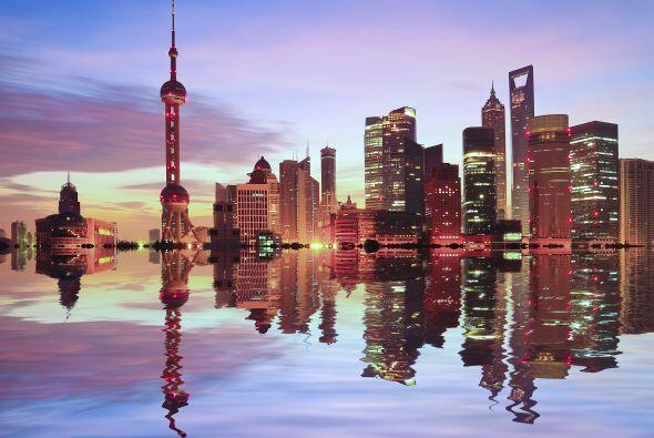Shangai China      En el 2007, esta ciudad descendió unos 6,8 milímetros...