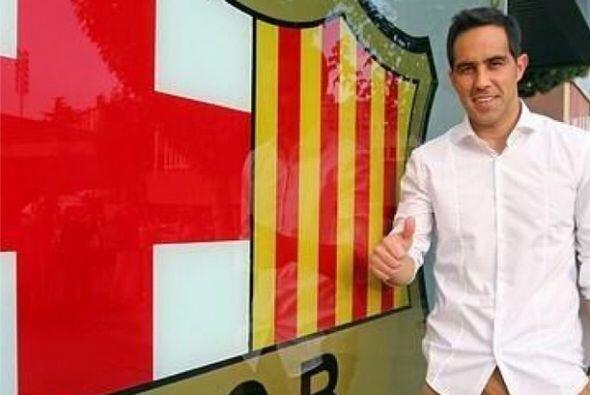 Claudio Bravo publicó esta foto de su llegada al Barcelona con la frase:...