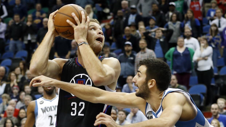 Blake Griffin añadió 16 puntos con 11 rebotes.
