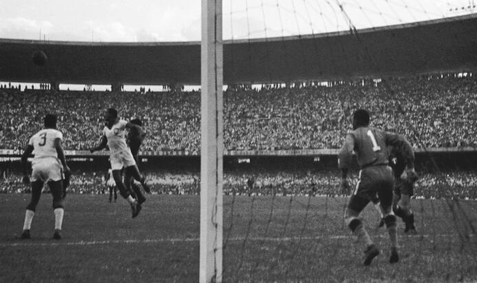 El primer enfrentamiento mundialista entre México y Brasil fue en 1950,...