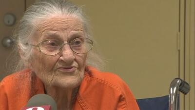 Juanita Fitzgerald, 94 años, dijo que sí había intentado pagar la renta...