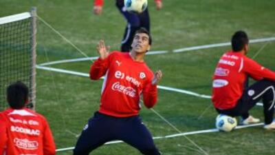 Esteban Paredes con la selección de Chile.