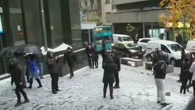 En video: La nieve que cubrió la capital chilena y el Altiplano de Perú y Bolivia