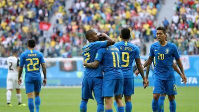 En fotos: el sufrimiento de Brasil para vencer 2-0 a Costa Rica en el final del partido