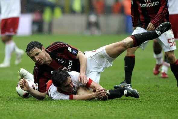 La desesperación de los rossoneri era evidente ya que no podían descifra...