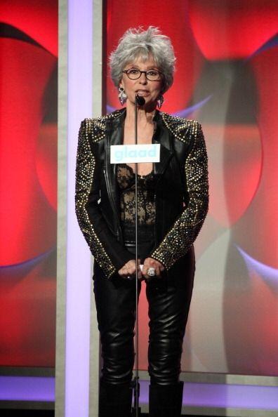 Fue así como Rita Moreno presentó a Jennifer Lopez en los GLAAD Awards....