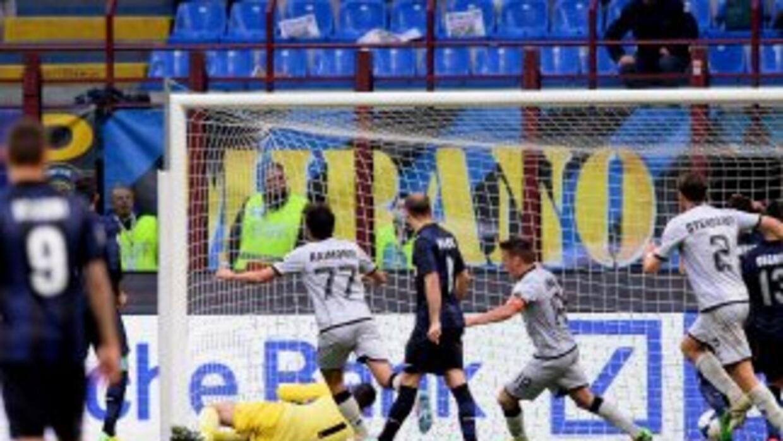 En los minutos finales, los interistas recibieron el segundo gol del Ata...
