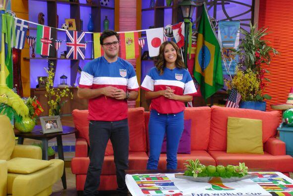 Karla y Paul lucieron espectaculares con la playera de USA.