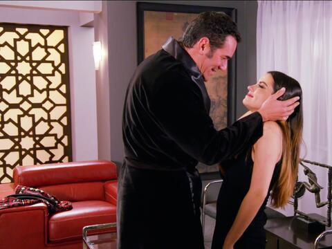 ¡Alicia casi cae en las garras de Augusto!