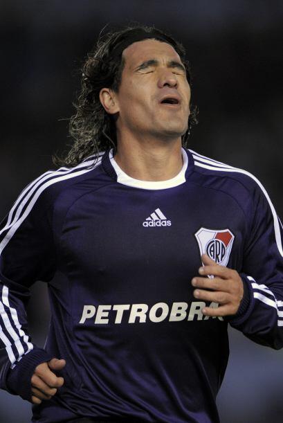 En el fútbol argentino el libro de pases se mueve con lentitud pe...