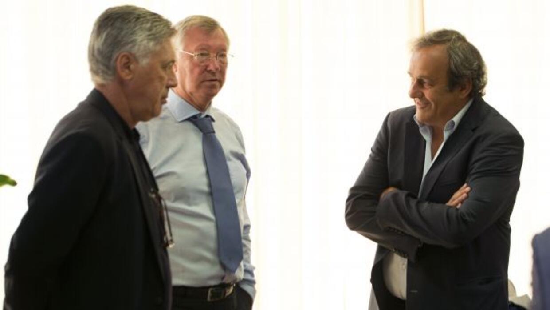 El técnico del Real Madrid no ve con buenos ojos que el presidente de la...