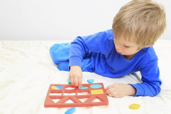 RECONOCER FIGURAS Y COLORES - Ayuda a tu niño a reconocer las figuras má...