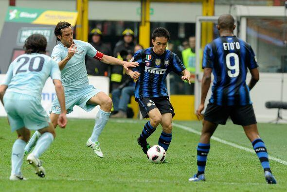 Inter se enfrentó a la Lazio en busca de una chance de alcanzar la segun...