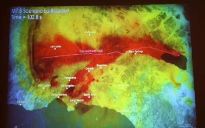Científicos muestran un simulacro de un terremoto en el sur de Ca...