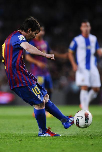 Lionel Messi remató un tiro libre con mucha clase y clavó un golazo.