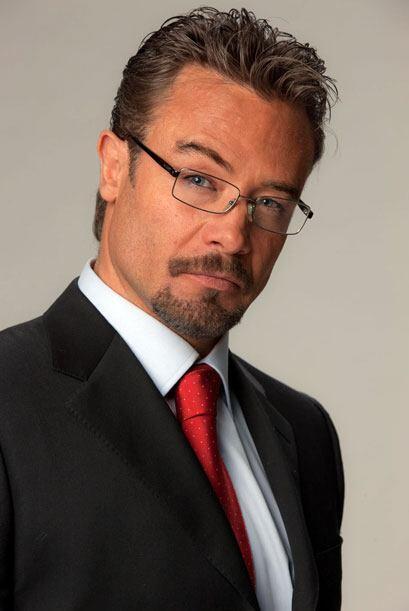 Sergio Sendel es Vicente Irabien, sobrino de Doña Fernanda, ambicioso y...