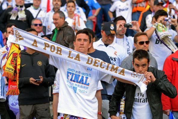 Durante el partido el público no dejaba de apoyar, cada uno a su manera.