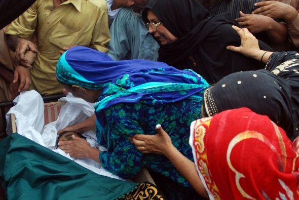 2 de julio - 41 muertos y 175 heridos en el atentado múltiple contra un...