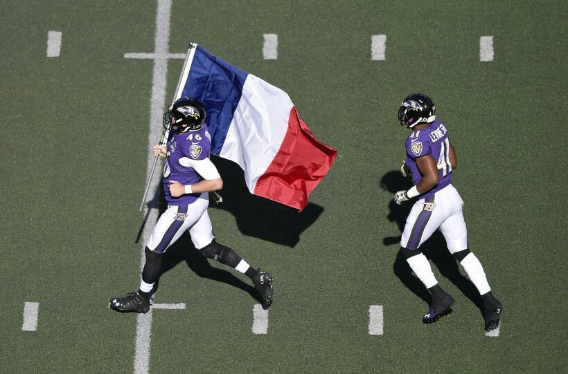 La NFL rindió homenaje a los más de 120 muertos y m&aacute...