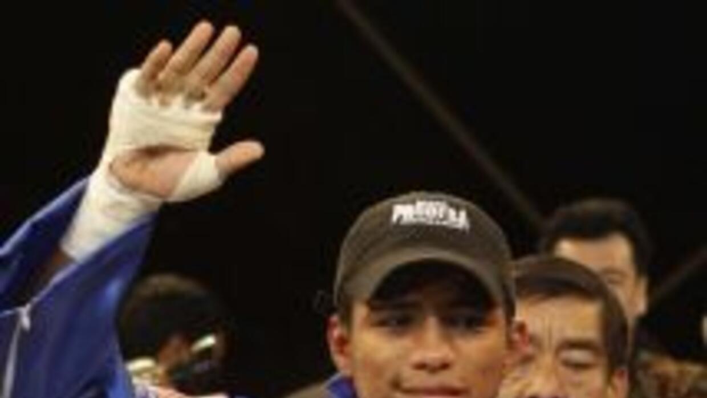 Román 'Chocolatito' González venció por TKO a Francisco 'Chihuas' Rodríg...