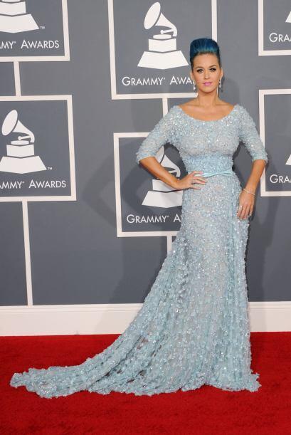Combinar su cabello con el color de su vestido no era la mejor idea si K...