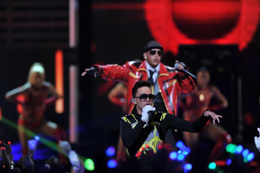 Prince Royce y Daddy Yankee contagiaron la locura con su tema 'Ven Conmi...