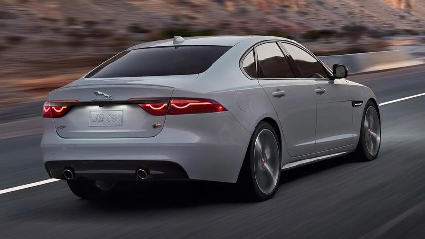 El XF es uno de los modelos de vanguardia de Jaguar en la actualidad, eq...