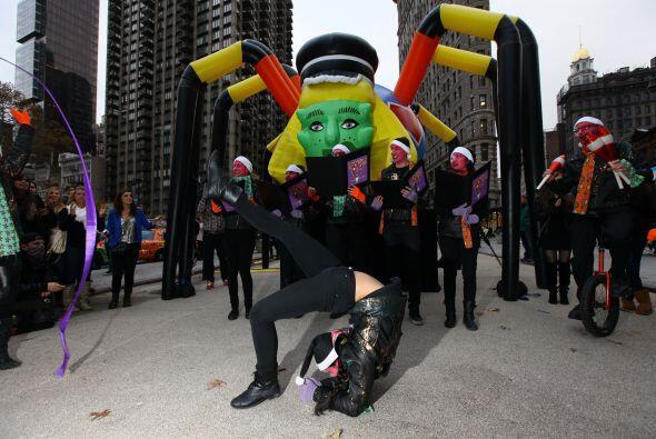 Lady Gaga llegó a Nueva York para celebrar la inauguración de Gaga´s Wor...
