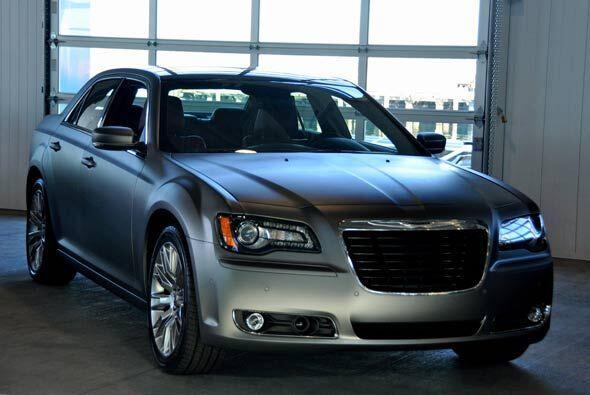 Chrysler renovó por completo su buque insignia para el 2011, pero...
