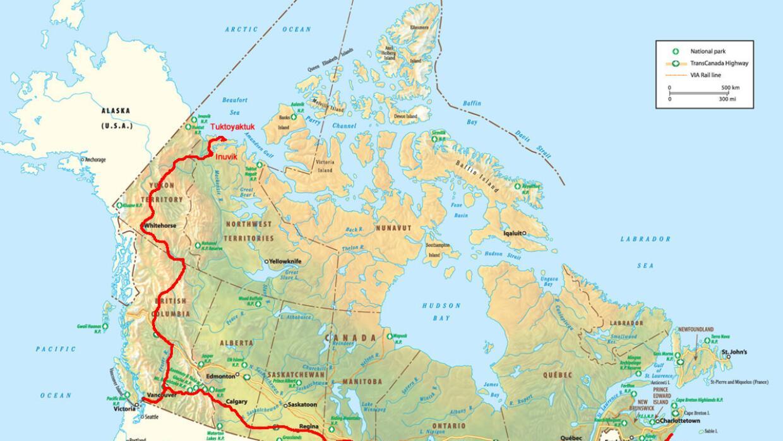 El nuevo tramo de 85 millas entre Inuvik y Tuktoyaktuk conecta por tierr...