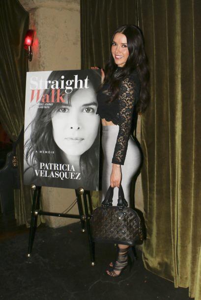Llegó sensual al evento realizado en el famoso Hollywood Roosevelt Hotel...