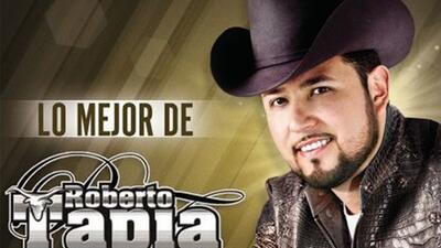 Roberto Tapia está de estreno, pues hace unos días lanzó un disco con su...