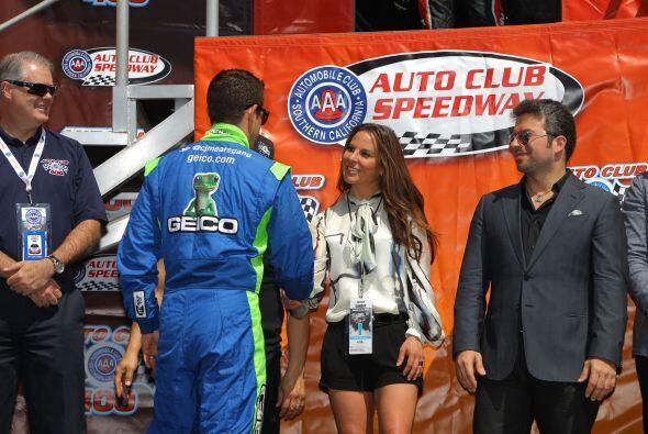 La actriz saludó a los participantes.