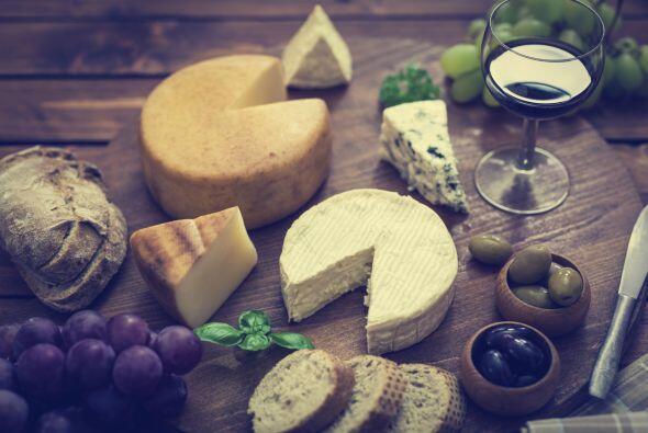Lácteos. Son parte fundamental de la dieta mediterránea. Los quesos pued...