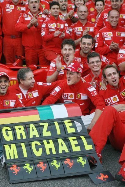 Tras concluír la temporada del 2006, decidió retirarse del automovilismo...