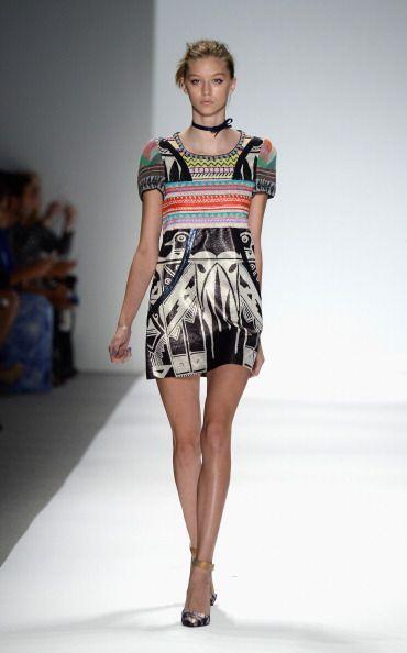 La belleza artesanal de este diseño llega  para darle vida a tus prendas...