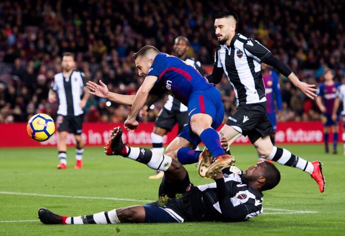 En fotos: Messi comanda la fiesta del Barcelona gettyimages-902244612.jpg