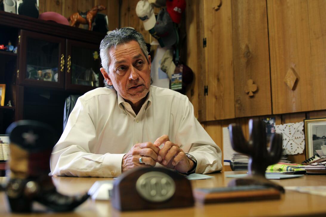 El sheriff Benny Martínez, demócrata, en su despacho. Entre 2009 y 2013,...