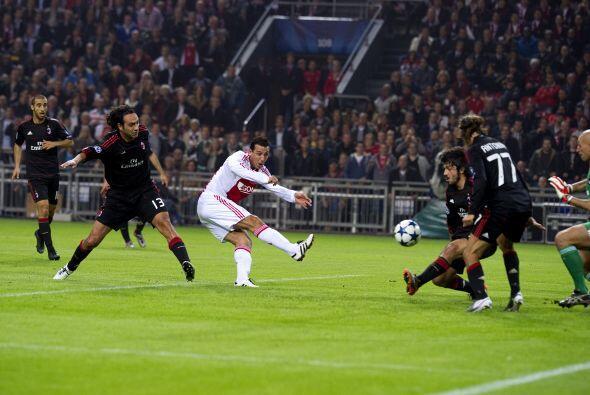 El delantero El Hamdaoui puso en ventaja a los holandeses.