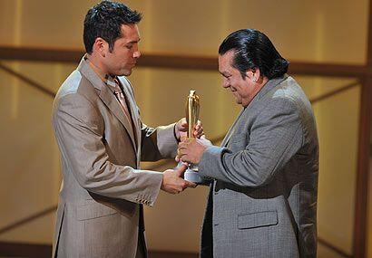 El momento más emotivo fue cuando Oscar de la Hoya homenajeó a Don Rober...
